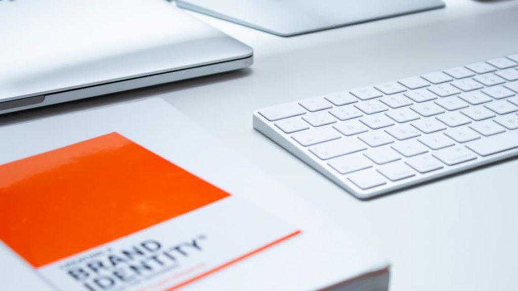 manual de branding e identitad corporativa